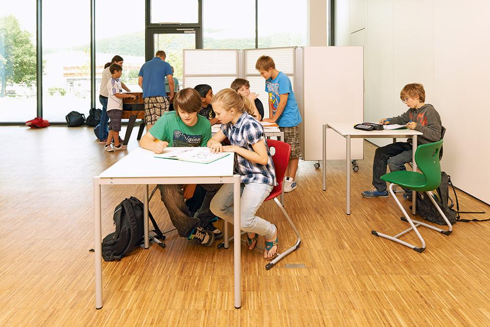 Piller-Schulmoebel-Ergonomie-bewegtes-lernen-werkstattcharakter
